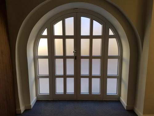 Matinė plėvelė durims